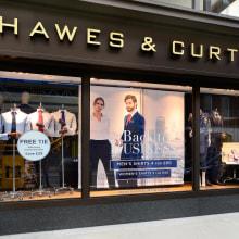 Hawes and Curtis Storefronts . Um projeto de Fotografia, Publicidade e Moda de Emma-Jane Lewis - 25.05.2021
