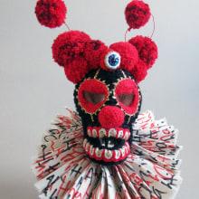 Clown Skull. Un proyecto de Artesanía, Escultura, Bordado y Crochet de Amelie Erath Gentes - 13.08.2021