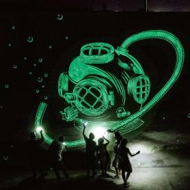 Reskate: cuando el arte urbano brilla en la oscuridad