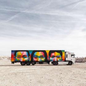 Arte itinerante a lomos de un camión de mercancías