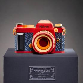 Réplicas de cámaras fotográficas hechas con papel