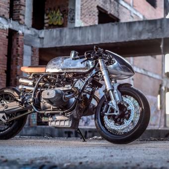 The Silver Bullet. Un proyecto de Dirección de arte, Diseño de automoción, Artesanía, Diseño industrial, Diseño de producto y Producción de Theo Suja - 19.09.2018