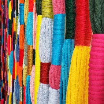 FIBER EMBALLAGE + TEÑIDO. Un projet de Créativité, Couture, Illustration textile , et Décoration d'intérieur de Pluumbago - 01.05.2019
