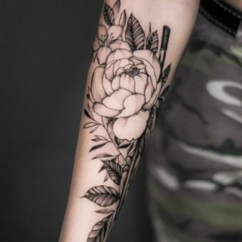 Tatuajes botánicos. Un progetto di Design di tatuaggi di Polilla Tattoo - 09.11.2020