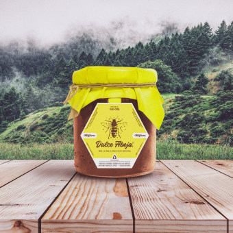 Dulce Abeja. A Design, Advertising, Br, ing, Identit, Graphic Design, Marketing, Packaging, and Comercial Photograph project by Jose Antonio Jiménez Macías - 06.12.2020