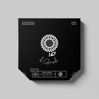 Il Girasole. Un projet de Br, ing et identité, Design graphique, Architecture d'intérieur , et Design d'intérieur de SARAH TIO - 08.01.2021
