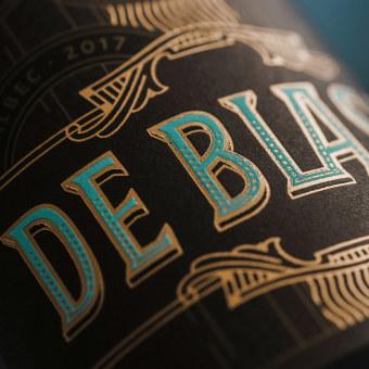 De Blasis. Un progetto di Packaging, Lettering, Lettering digitale, H , e lettering di Manuele Mancini estudio - 03.12.2020