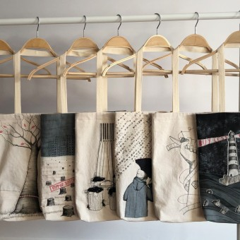 Think more, buy less. Um projeto de Criatividade, Costura, Desenho artístico, Tecido, Upc e cling de Ana Q - 06.04.2021