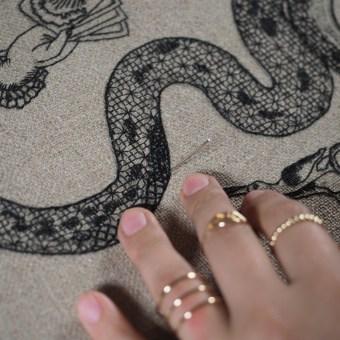 Conjuro de Hilo. Un projet de Beaux Arts, Broderie et Illustration textile de Gimena Romero - 13.04.2019