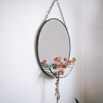 Espejo terrario colgante . Un projet de Design d'intérieur de Camila Eterovic - 27.04.2021