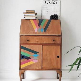 Restored Wood Upcycled Furniture . Um projeto de Design, Design gráfico, Design de interiores, Criatividade, Design de espaços comerciais, Upc e cling de Chloe Kempster - 07.05.2021