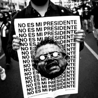 'No es mi presidente' (Carteles para la protesta del 14N en Perú). Um projeto de Design, Ilustração, Direção de arte e Design de cartaz de Alexandro Valcarcel - 25.10.2020
