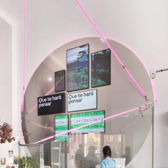 The Melting Sun. Um projeto de Design, Arquitetura, Design de móveis, Design industrial, Design de cenários, Interiores, Visualização arquitetônica e Fotografia de interiores de Enorme Studio - 06.03.2021