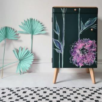 Botanical Details Cabinet. Un proyecto de Diseño de Chloe Kempster - 26.10.2021