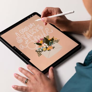 8 Fun iPad Apps for Lettering and Calligraphy Practice