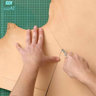 How to Cut Leather: Step-by-Step Tutorial