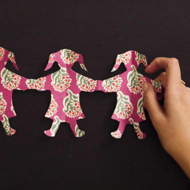 Tips on How to Make Paper Doll Chains