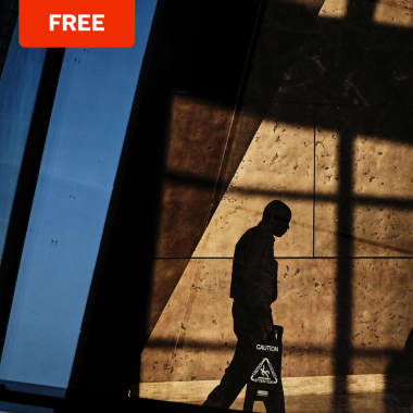 Free Guide: Light and Shadows in Street Photography