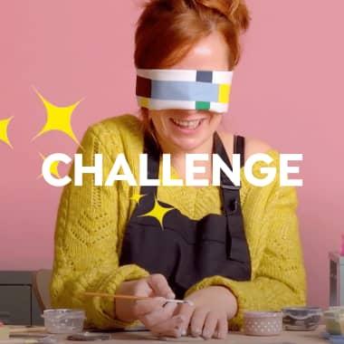 Challenge: pintando sobre cerámica con los ojos vendados