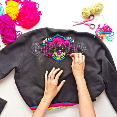 6 Free Upcycling Tutorials for Repairing Clothes with Creativity