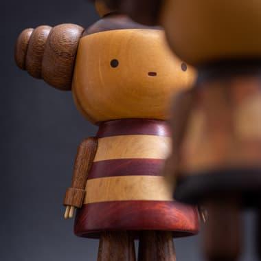 14 artistas inspiradores que trabalham com madeira e resina