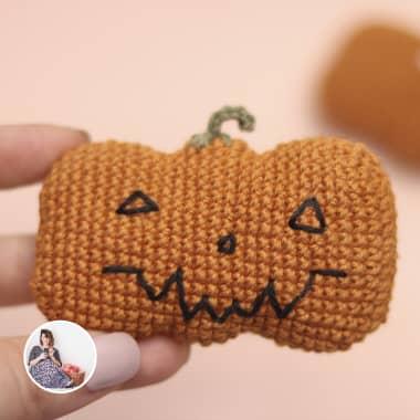 How to Crochet a Halloween-themed Amigurumi Pumpkin
