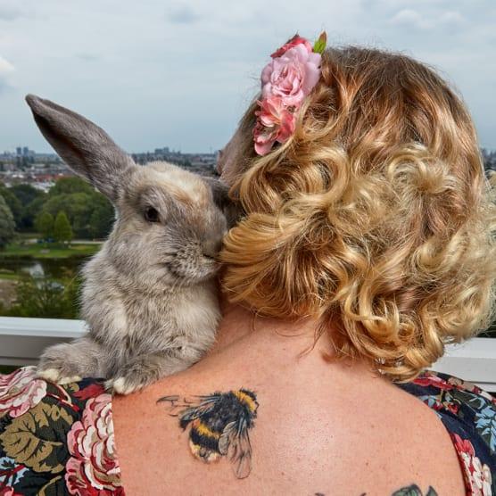 Ella es la fotógrafa oficial de mascotas de Amsterdam