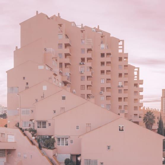 El fotógrafo que convierte Benidorm en el mejor escenario arquitectónico