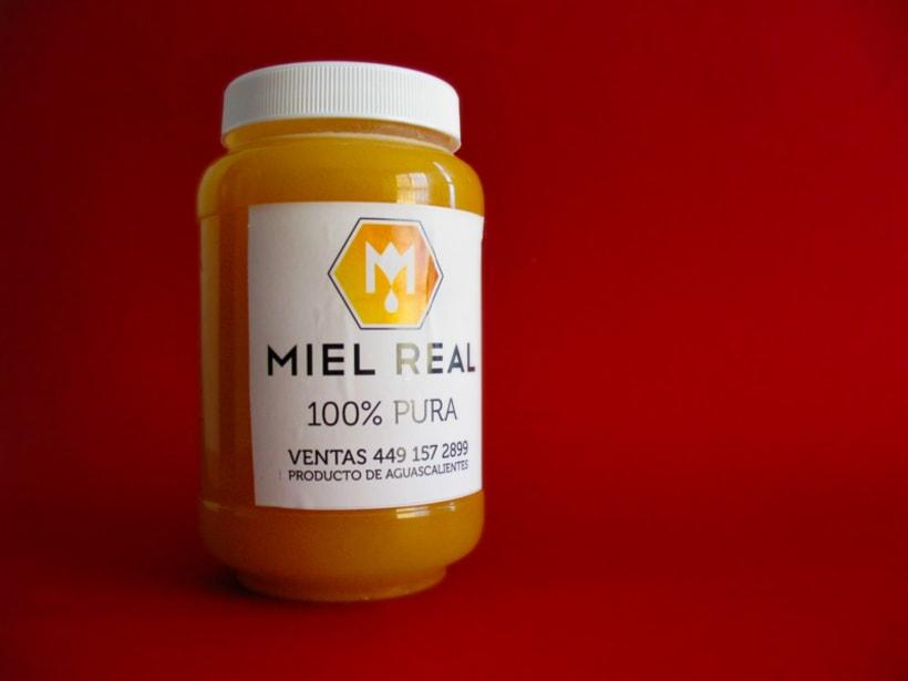 Miel Real, identity. 3