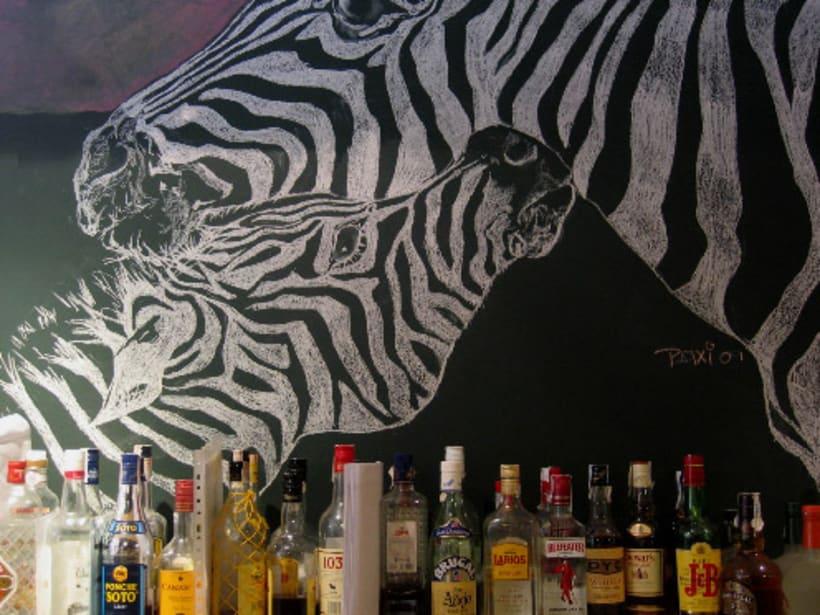 Dibujos a tiza en el Bar Docamar 1