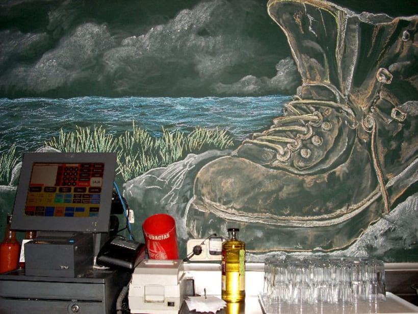Dibujos a tiza en el Bar Docamar 9
