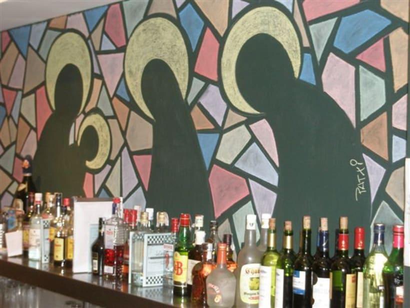Dibujos a tiza en el Bar Docamar 8