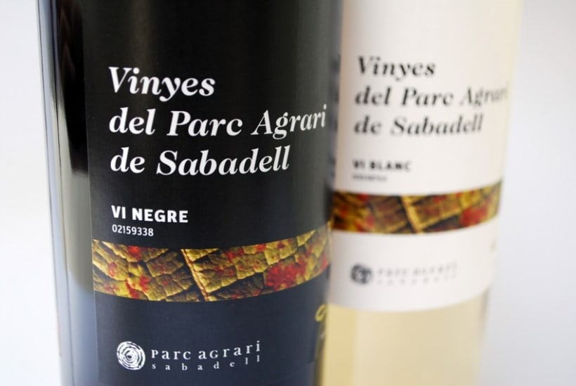 """Etiquetas de vino de las """"Vinyes del Parc Agrari de Sabadell"""" 1"""