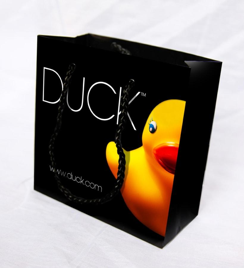 Duck. Diseño de identidad corporativa y campaña publicitaria  10