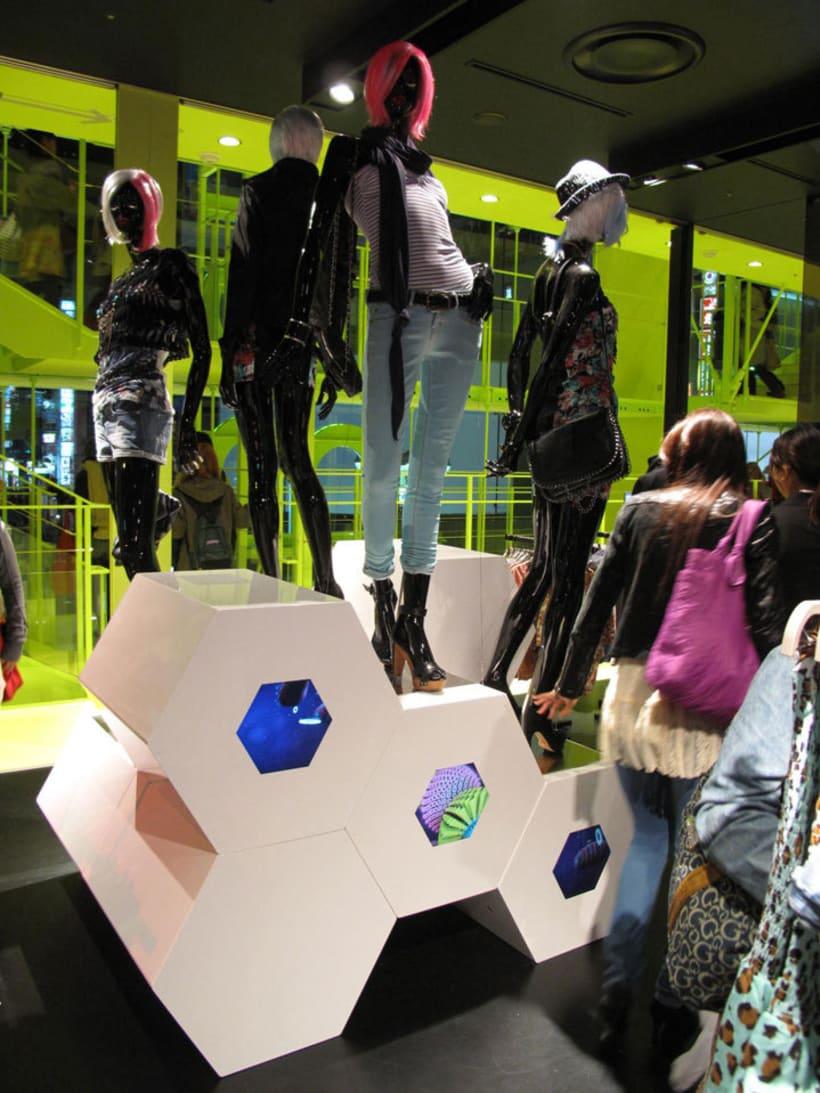 Shibuya shop installation (Tokyo) 10