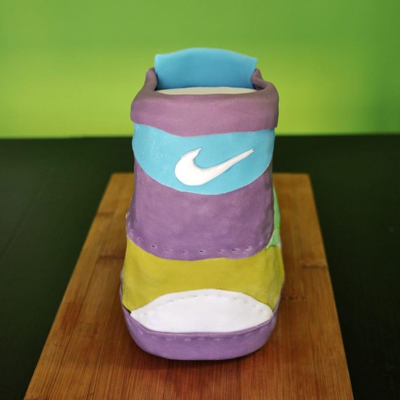 Nike Cake 6