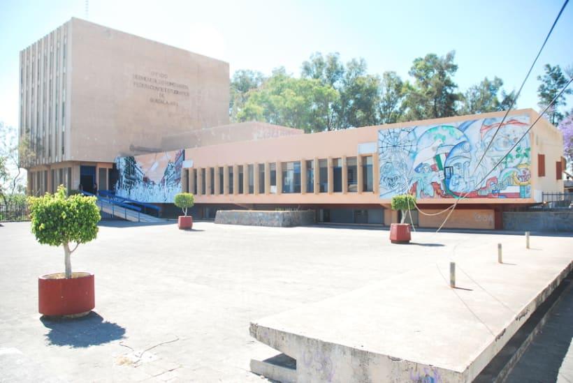"""Mural """"Revolución"""" en la F.E.G. 19"""
