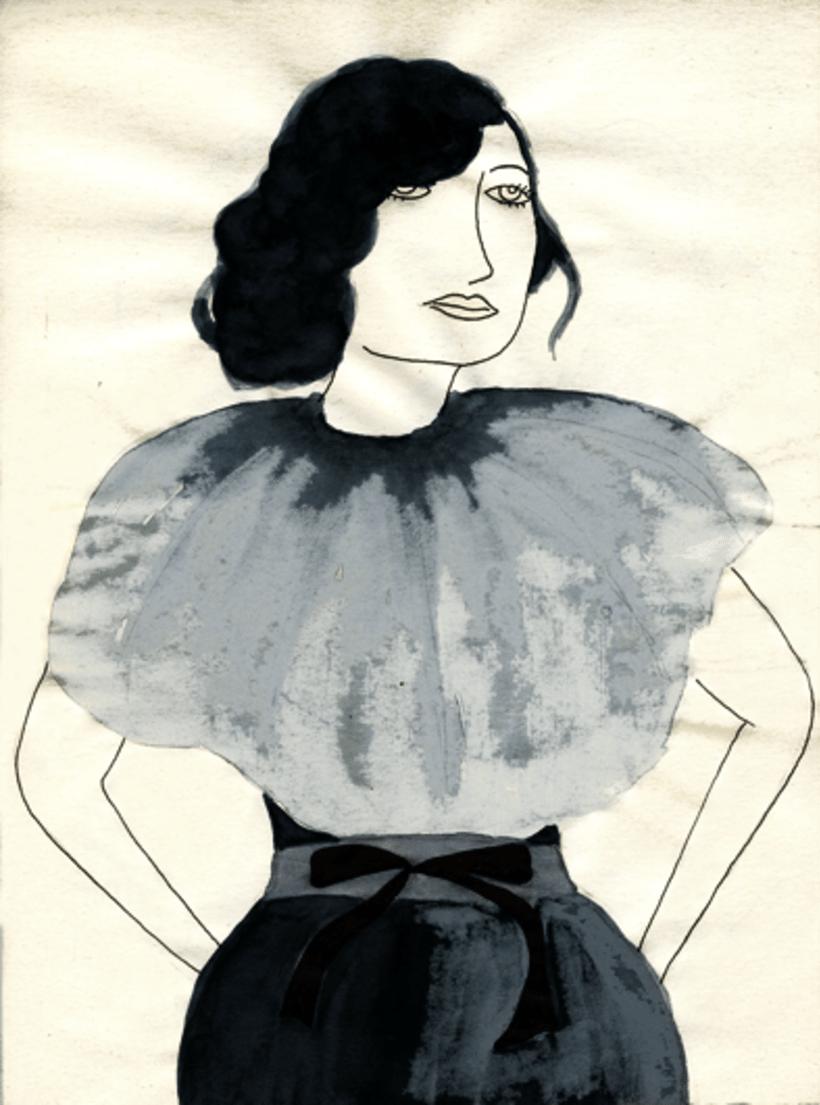 Mujer de traje gris 1
