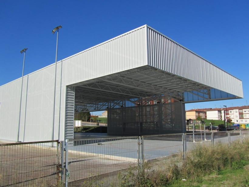 Pista cubierta en el colegio de Los Pericones. Gijón. 3