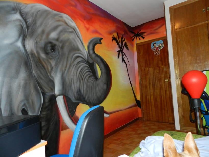 Elefante en dormitorio 3