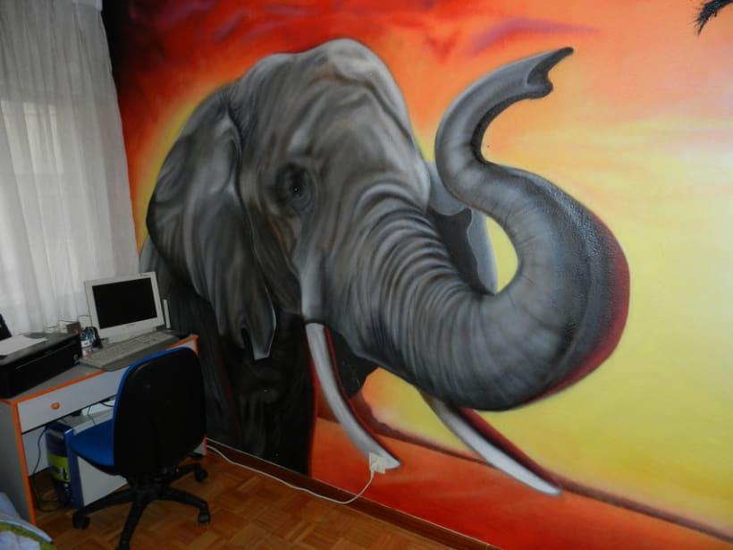 Elefante en dormitorio 2