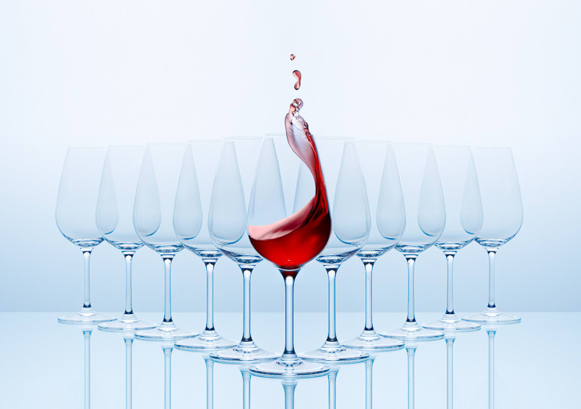SPLASHING WINE 8