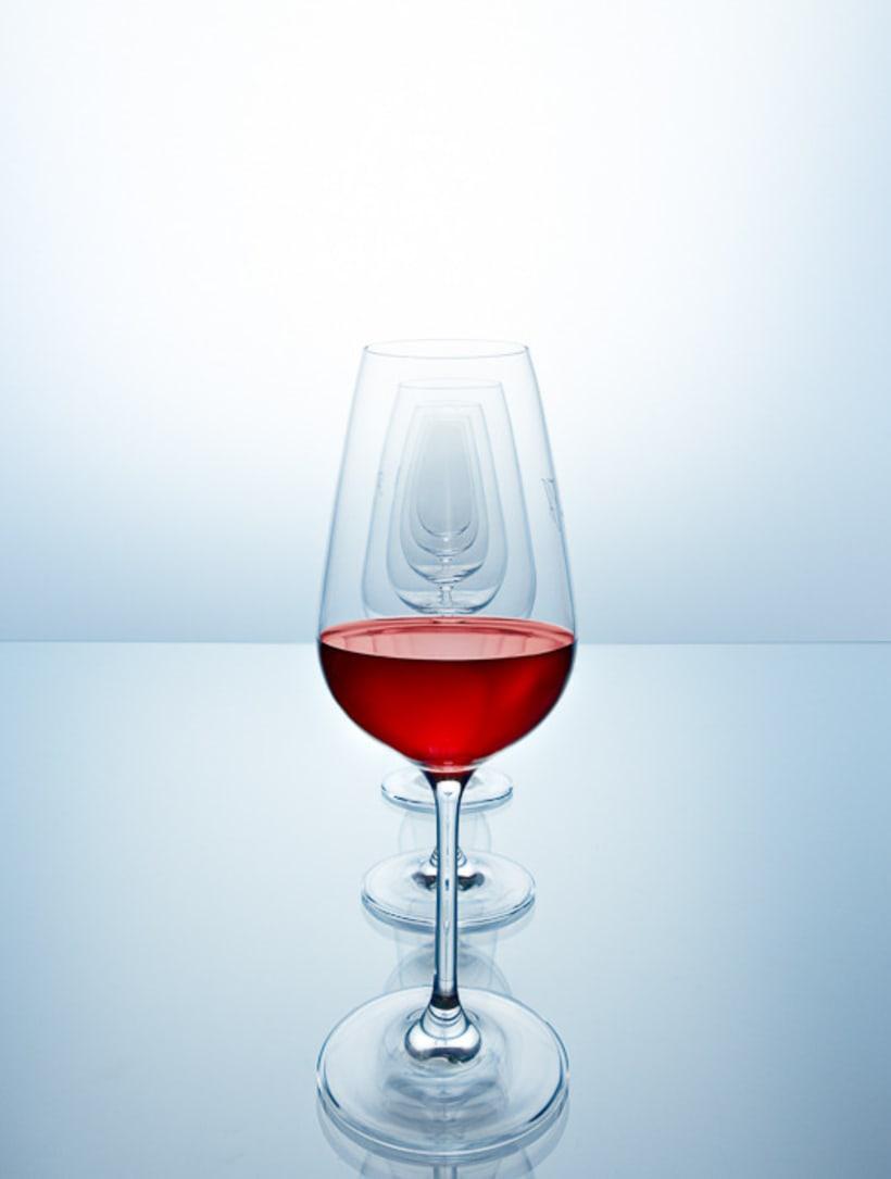 SPLASHING WINE 7