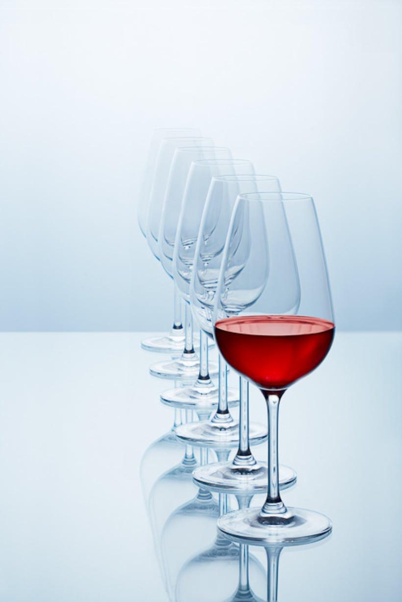 SPLASHING WINE 6