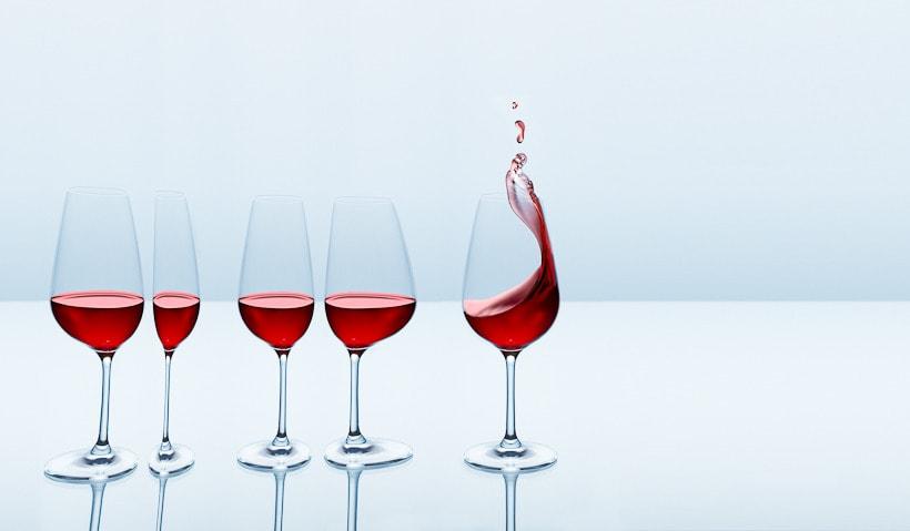 SPLASHING WINE 1