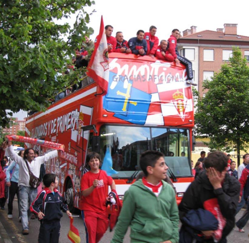 Bus ascenso Sporting de Gijón 6