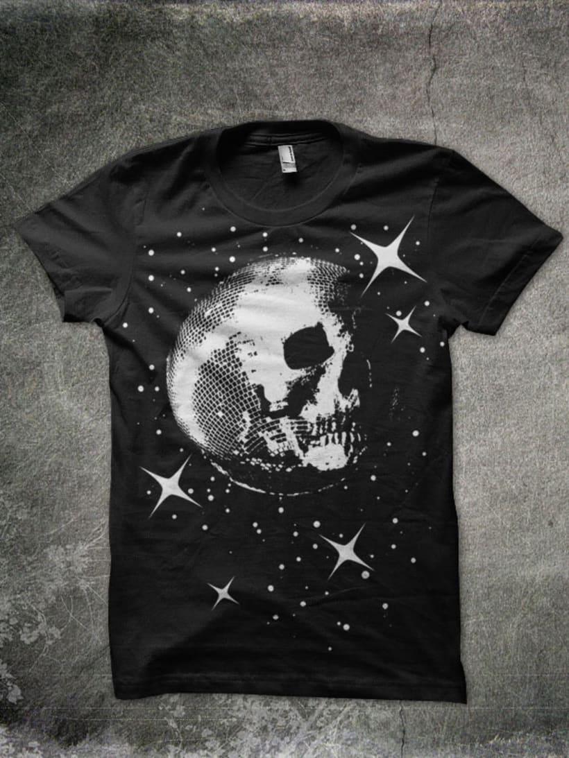 Camisetas 'Stupid Hurts Us' 3