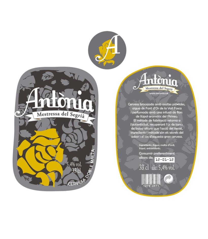 Creación Marca de Producto - Cerveza Antònia 3