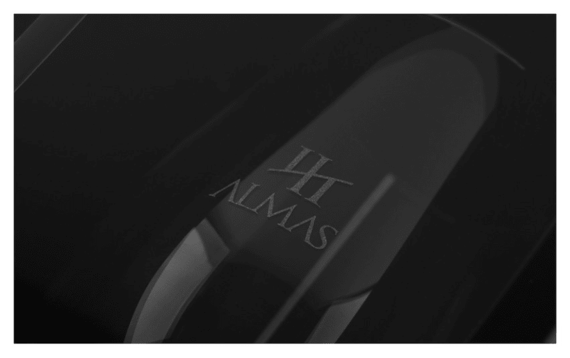 Cuatro Almas | Wine Packaging | Steel 11