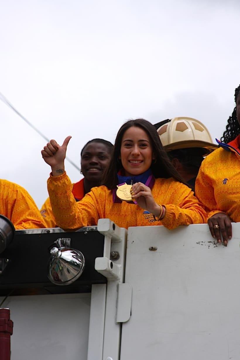 Multitudinario recibimiento a los medallistas en Bogotá DC 2